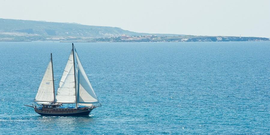 barca a vela diporto porticciolo turistico portoscuso sardegna sud ovest bed&breakfast sa cruxitta
