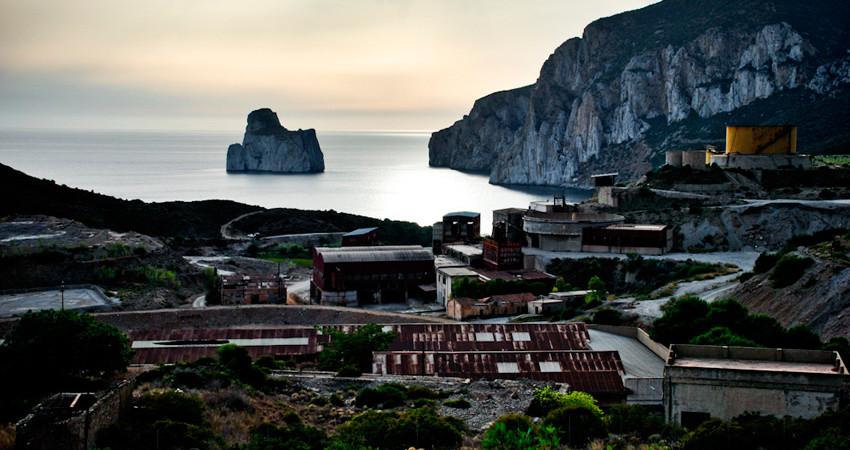 Masua miniera Sardegna Porto Flavia Pan di Zucchero vacanze Sa Cruxitta