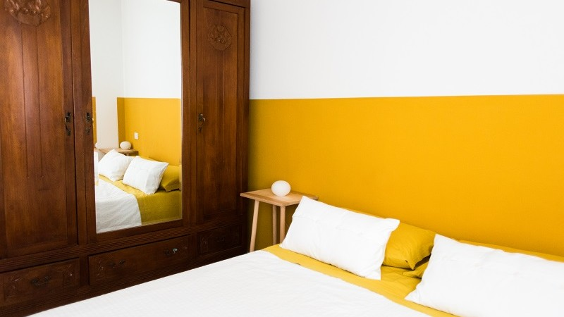 artigianato sardo armadio intagliato bed&breakfast sa cruxitta